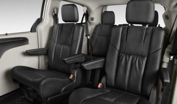 Chrysler Town and Country Touring full